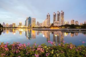 Sfondi desktop Thailandia Parchi Grattacieli Bangkok Lungomare Città