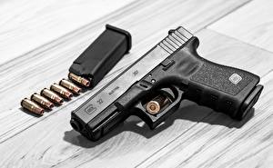 Pictures Pistols Cartridge (firearms) Closeup Glock 32