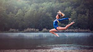Wallpaper Gymnastics Water Jump Legs Alexiane Sport Girls