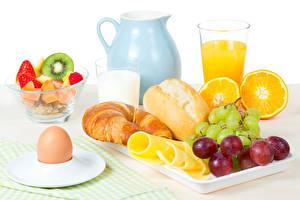 Wallpaper Still-life Fruit Croissant Juice Milk Bread Orange fruit Grapes Cheese Jugs Egg Highball glass Food