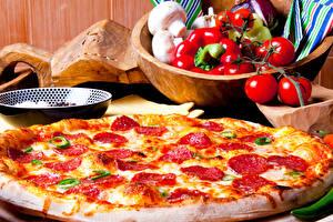 Desktop hintergrundbilder Fast food Pizza Tomate Paprika das Essen