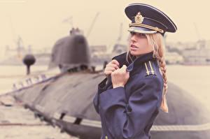 Fotos U-Boot Soldaten Der Hut Blondine Zopf Militär Mädchens