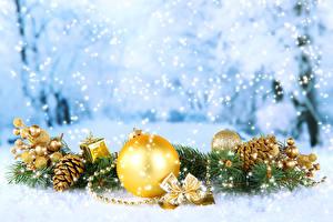 Hintergrundbilder Feiertage Neujahr Ast Kugeln Zapfen Schnee Schneeflocken