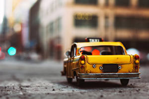 Sfondi desktop Taxi - Auto Giocattolo Vista posteriore autovettura