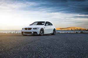 Images BMW Sky White Asphalt E92 M3 Vorsteiner Flow Forged Wheels auto