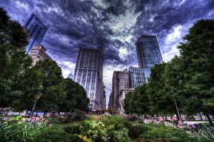 Hintergrundbilder Vereinigte Staaten Wolkenkratzer Chicago Stadt HDRI Wolke Stadtstraße Bäume Strauch Städte
