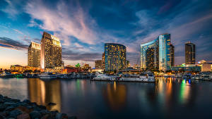 Bilder Vereinigte Staaten Landschaftsfotografie Wolkenkratzer Himmel Schiffsanleger Yacht San Diego Nacht Städte
