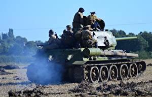 Hintergrundbilder Panzer Soldaten T-34 T-34-85 Heer