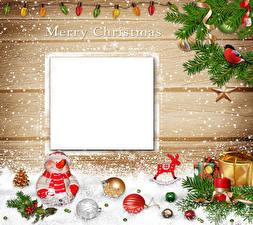 Fotos Feiertage Neujahr Vorlage Grußkarte Kugeln Ast Schneemänner Zapfen