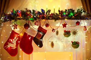 Hintergrundbilder Feiertage Neujahr Ast Kugeln Lichterkette