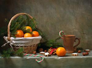 Hintergrundbilder Zitrusfrüchte Mandarine Kekse Süßware Nussfrüchte Weidenkorb Becher Ast Lebensmittel