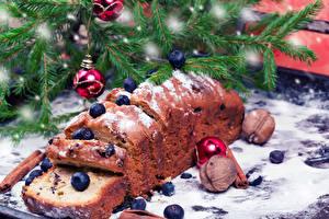 Bilder Feiertage Neujahr Backware Nussfrüchte Heidelbeeren Keks Ast Lebensmittel