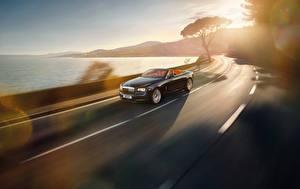 Hintergrundbilder Straße Cabrio Geschwindigkeit Rolls-Royce Dawn auto
