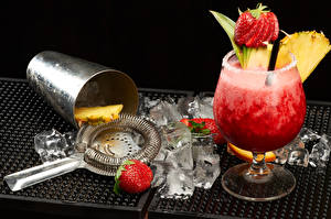 Pictures Drinks Cocktail Strawberry Pineapples Ice Food