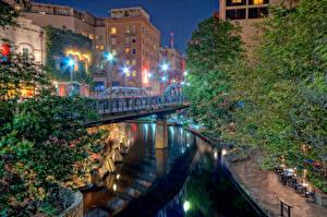 Pictures USA Houses Rivers Bridges Texas Night Street lights San Antonio Cities