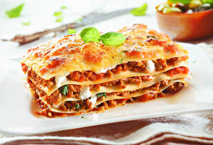 Bilder Backware Lasagne bolognese