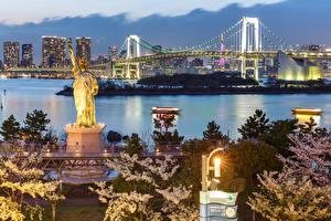Bilder Präfektur Tokio Japan Haus Brücken Denkmal Abend Freiheitsstatue