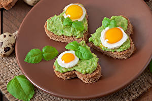 Image Butterbrot Fried egg Three 3 Heart Leaf Food