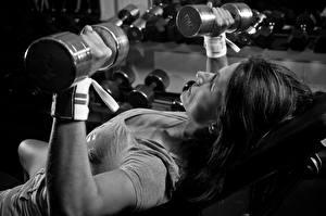 Bilder Fitness Hantel Körperliche Aktivität Sport Mädchens