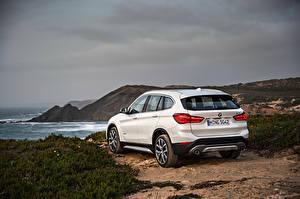 Photo BMW White Back view 2015 X1 xDrive xLine F48 Cars