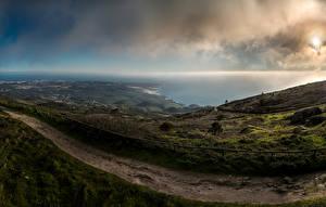 Tapety na pulpit Portugalia Jezioro Niebo Lizbona Trawa Przyroda Biscaia Natura