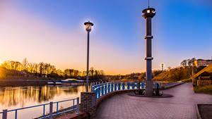 Bilder Belarus Flusse Küste Denkmal Straßenlaterne Grodno