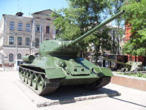 Fotos Panzer Denkmal Ukraine T-34 T-34-85, Kharkiv Heer