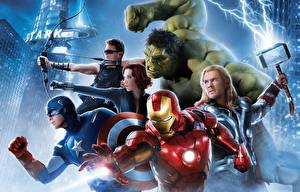 Bilder Avengers: Age of Ultron Robert Downey Jr Chris Hemsworth Chris Evans Scarlett Johansson Iron Man Held Thor Held Hulk Held Captain America Held Mann Superhelden Krieger Bogenschütze Kriegshammer Film Prominente