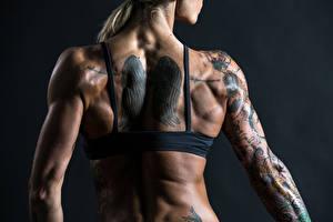 Bilder Hautnah Rücken Tätowierung junge Frauen