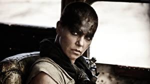 Bilder Mad Max: Fury Road Charlize Theron Gesicht Blick Film Prominente Mädchens