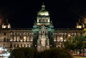 Bilder Prag Tschechische Republik Gebäude Denkmal Nacht Straßenlaterne Museum National Museum
