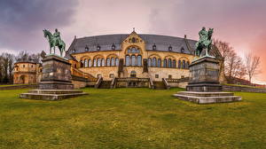 Fotos Deutschland Denkmal Sonnenaufgänge und Sonnenuntergänge Rasen Kaiserpfalz Goslar