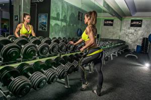 Fotos Spiegel Hantel Reflexion Sport Mädchens
