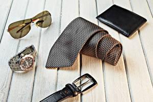 Hintergrundbilder Uhr Armbanduhr Krawatte Brille