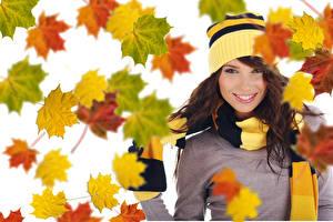 Fonds d'écran Automne Chapeau d'hiver Sourire Feuille Acer Aux cheveux bruns Filles