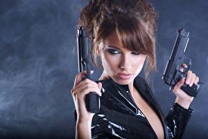 Hintergrundbilder Pistole Braune Haare Heer