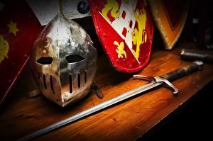 Hintergrundbilder Großansicht Helm Schwert Schild (Schutzwaffe)