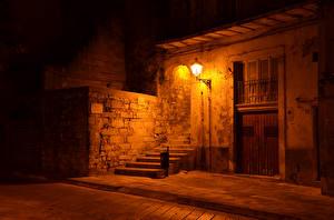 Sfondi desktop Italia La casa Sicilia Notte Lampioni Scala Ragusa