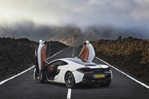 Image Roads McLaren Back view Opened door 570GT automobile