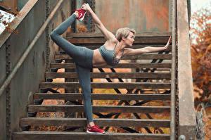 Fonds d'écran Gymnastique Escalier Exercice d'étirement Rosie Robinson Sport Filles