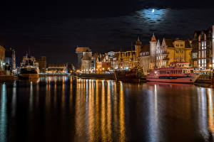 Wallpapers Poland Houses Rivers Pier Ship Gdańsk Night time Moon Cities