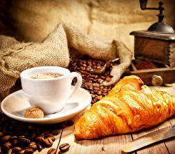 Fotos Kaffee Croissant Tasse Getreide Lebensmittel