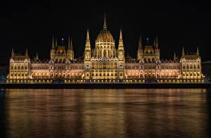 Hintergrundbilder Budapest Ungarn Gebäude Fluss Design Nacht Hungarian Parliament Städte