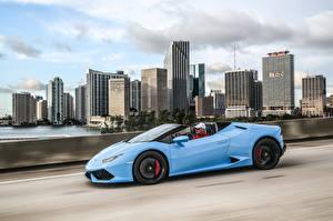 Fotos Lamborghini Seitlich Hellblau Bewegung Huracan LP 610-4