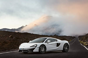 Pictures McLaren White 570GT Cars