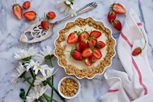 Fotos Backware Obstkuchen Erdbeeren Kamillen Lebensmittel