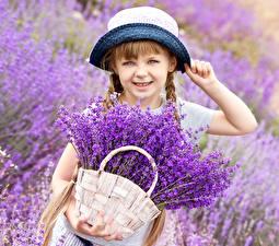 Hintergrundbilder Lavendel Handtasche Kleine Mädchen Der Hut Weidenkorb Kinder