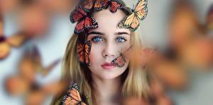 Hintergrundbilder Schmetterlinge Monarchfalter Gesicht Blick Mädchens