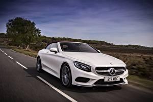 Hintergrundbilder Mercedes-Benz Weiß Bewegung Cabriolet S 500 Cabriolet AMG line auto