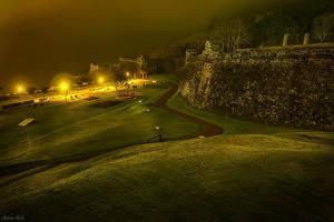 Tapety na pulpit Portugalia Twierdza Drogi W nocy Latarnia uliczna Trawnik Angra miasto